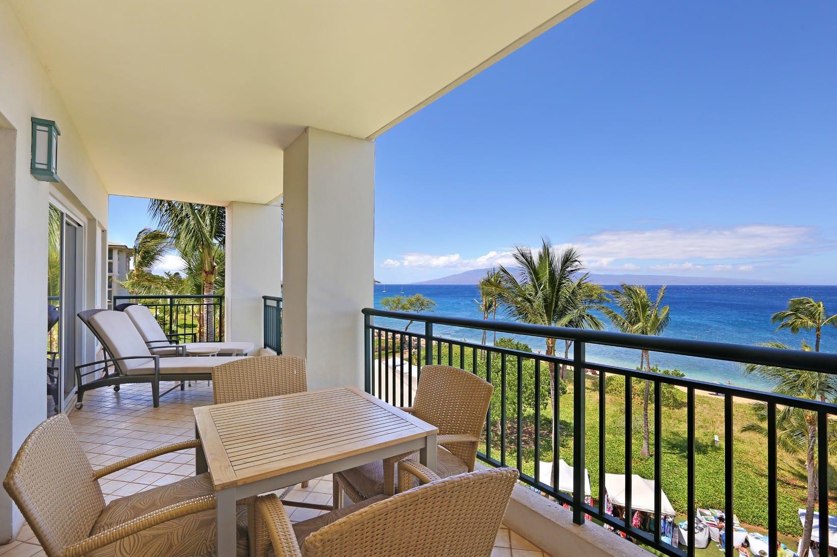 Deluxe 4 BR villa in 5 star beach resort DaNang Vietnam