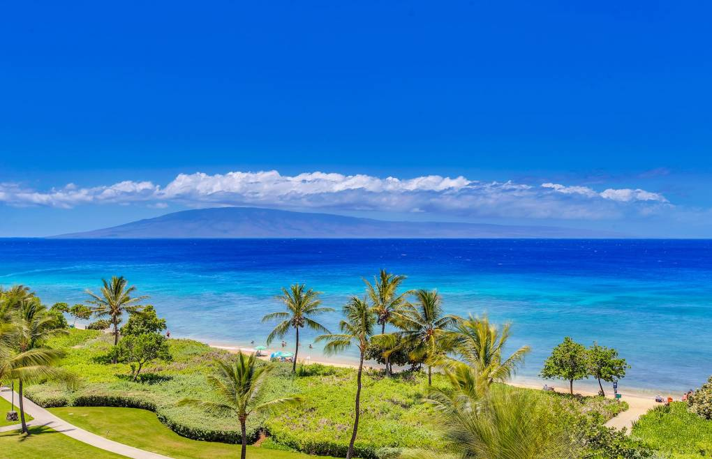 With sweeping Pacific Ocean views from Black Rock to Lanai