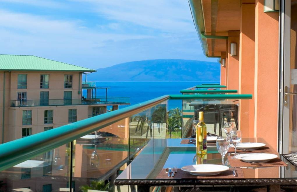 With views of the blue Pacific Ocean and Maui's neighbor island of Lanai