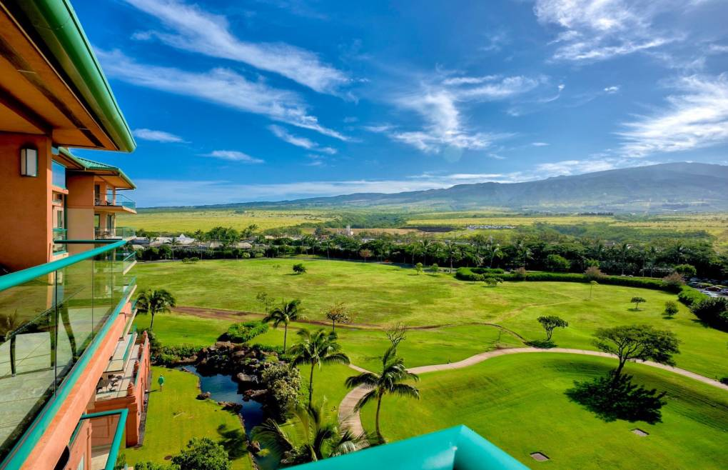 And enchanting views of the West Maui Mountains
