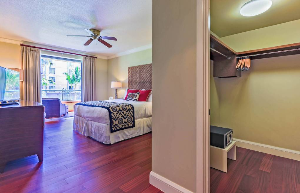 First master bedroom offers access to the balcony