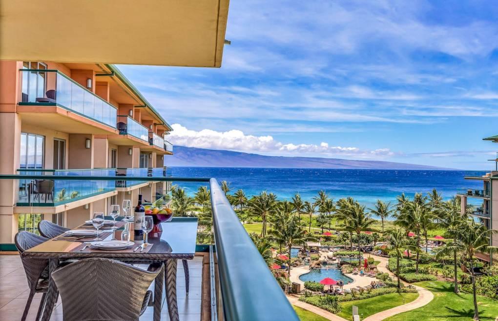 And direct views of Maui's neighbor island of Lanai