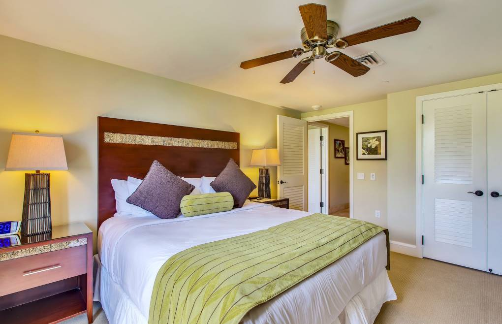 The king size bed in the guest bedroom can be split into two XL twins at no charge