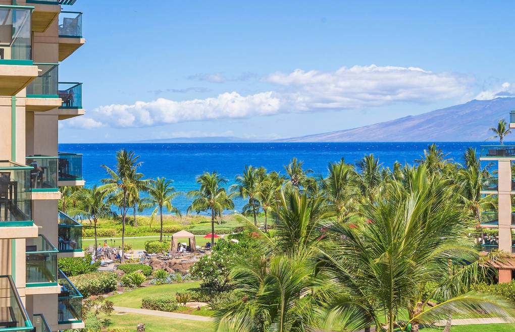 With stunning views of the Pacific Ocean and Maui's neighbor island Molokai