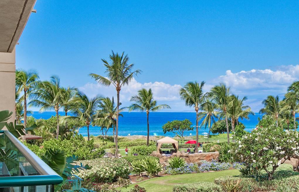 A luxurious Honua Kai 2BR suite