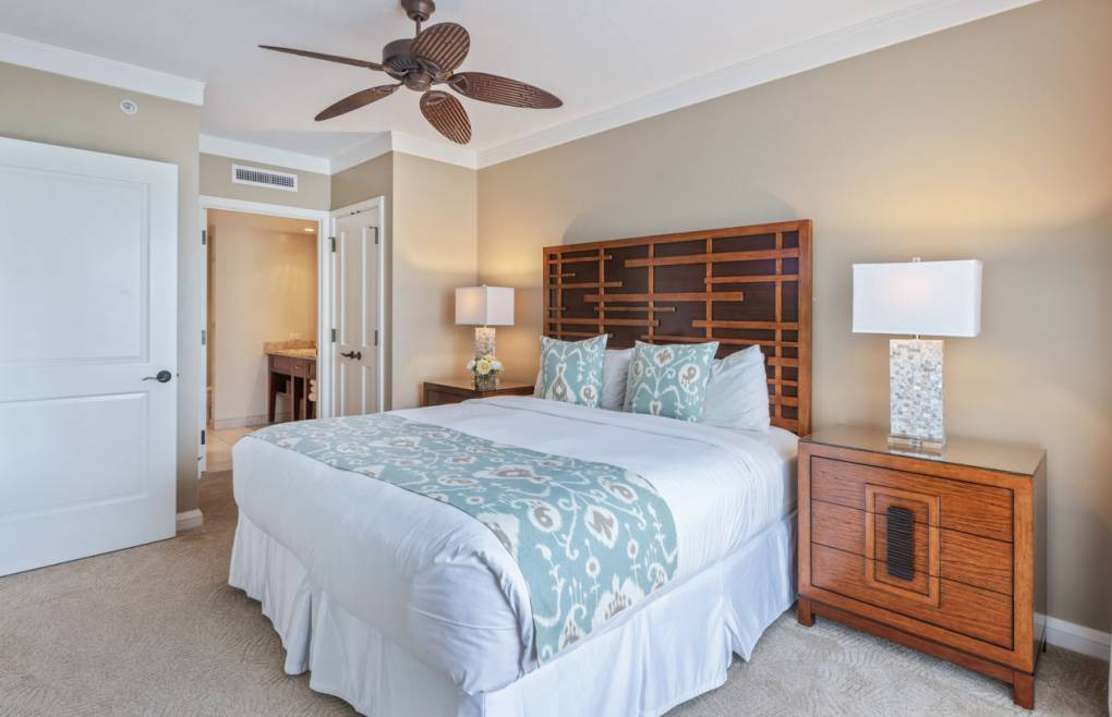 The guest bedroom king-size bed can be split into two XL twins at no charge