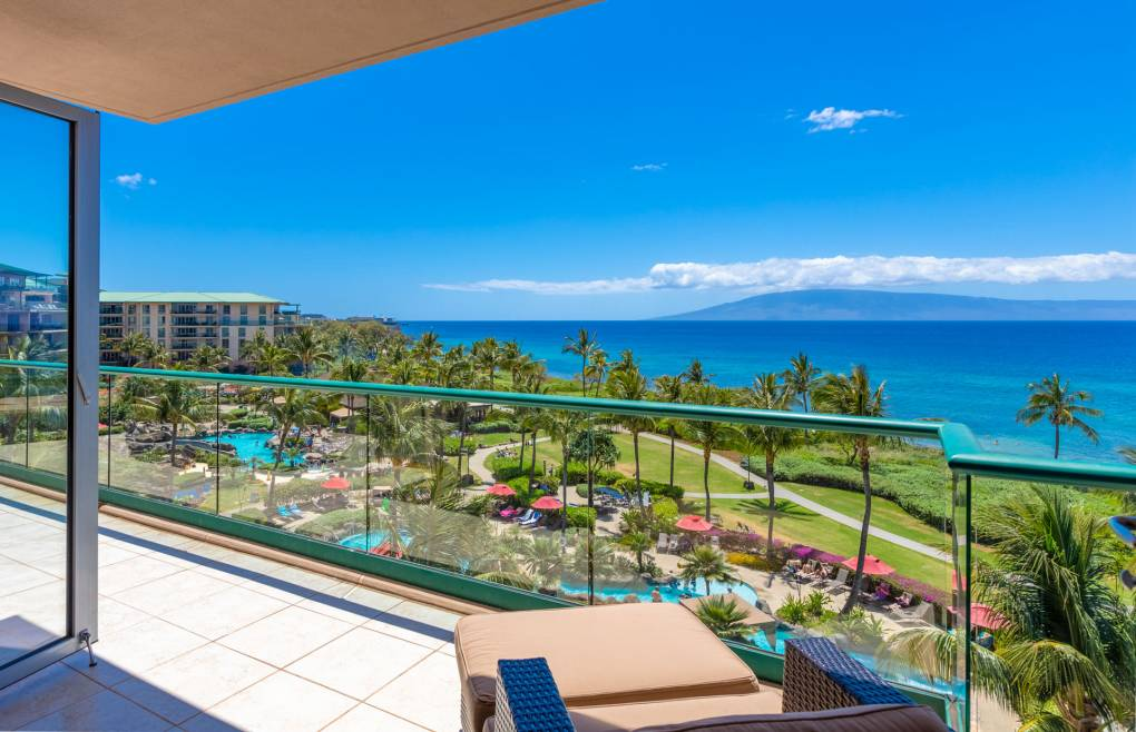 Enjoy the relaxing resort atmosphere while you look forward to another stunning Maui sunset