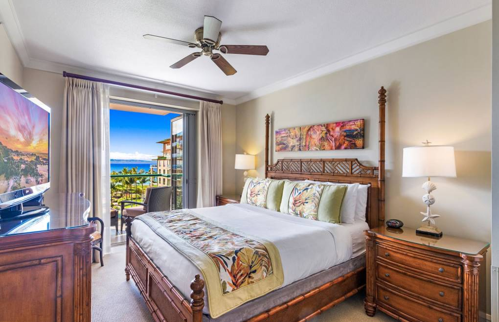 More ocean views from the second master bedroom