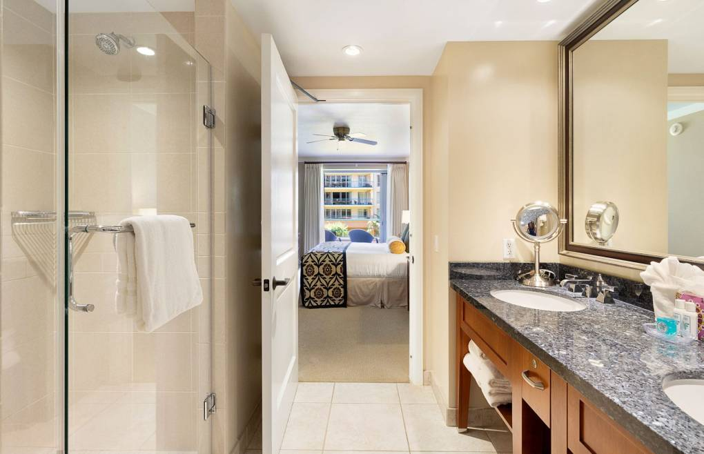 The master bath also offers a frameless glass walk-in shower
