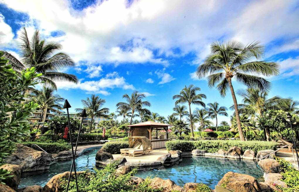 4 separate pools offer plenty of fun for everyone