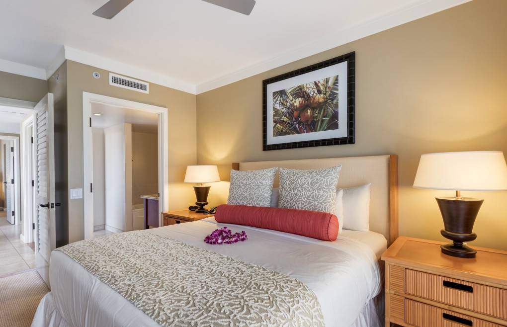 The guest bedroom also offers a king size bed