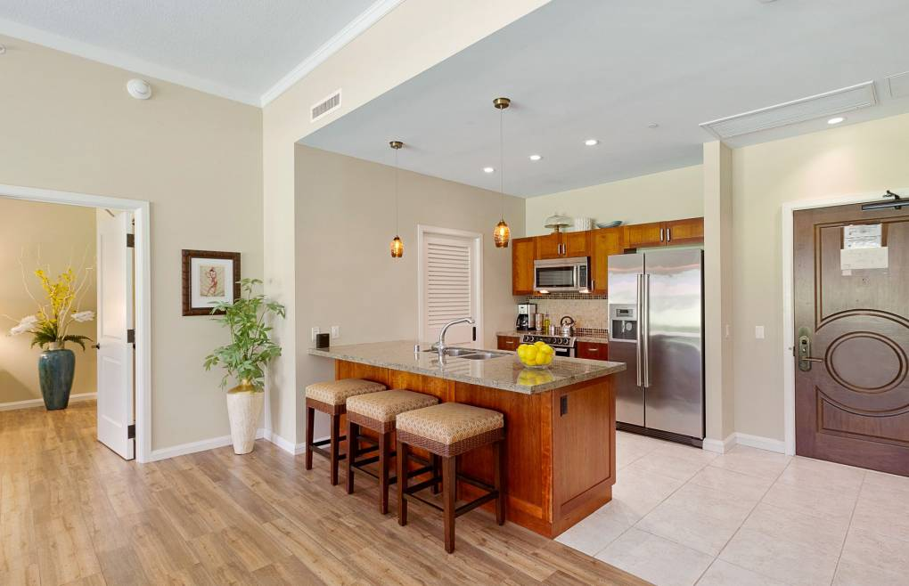 Prepare meals or refreshments in the full modern kitchen