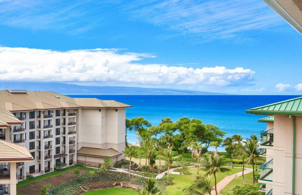 Boasting incredible Pacific Ocean views