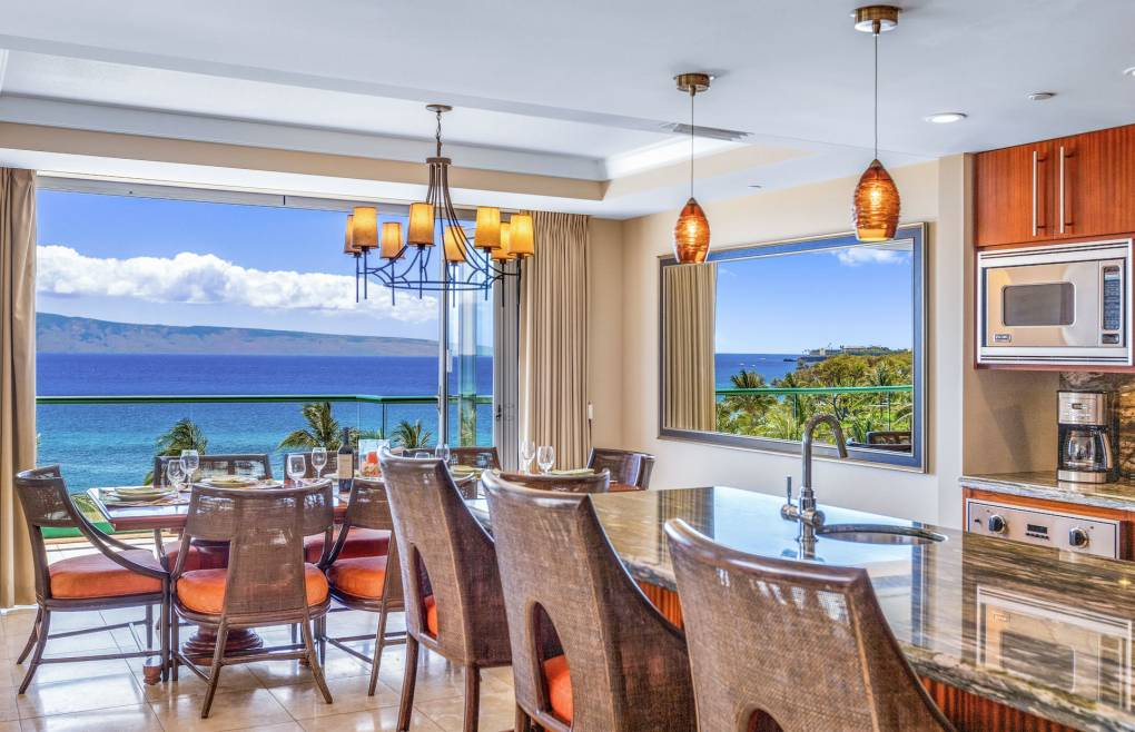 Experience iconic Maui views from all angles